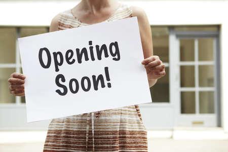 Woman Eröffnung New Shop