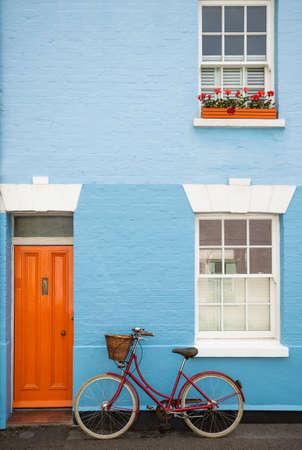 Old Fashioned Bicycle With Basket Against House In Jericho District Of Oxford UK