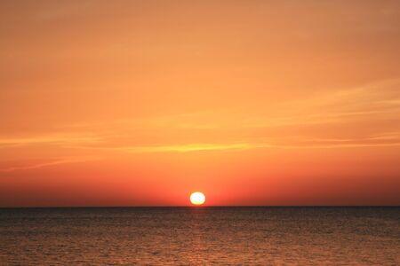 mares: puesta de sol en ibiza Foto de archivo