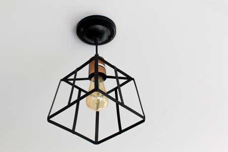 Moderne Lampen 95 : Lampe im modernen stil. warmton glühbirne lampe. lampen im café