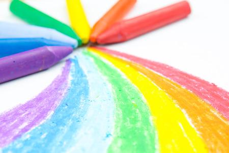 arc en ciel: Le dessin arc de crayon de l'enfant Banque d'images