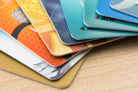 多くの銀行カード