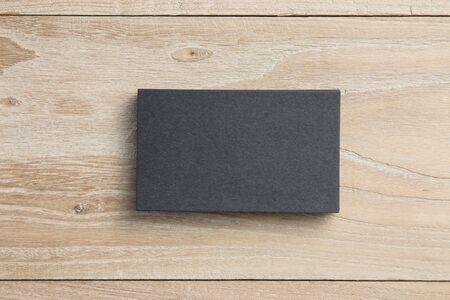 Visitekaartje op hout