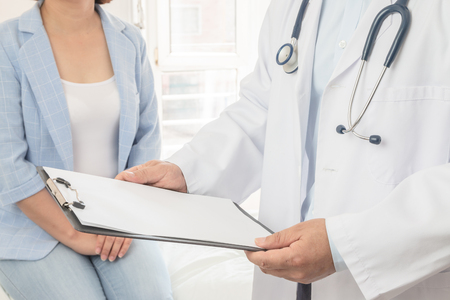 Doctor and patient Stock Photo - 117676232