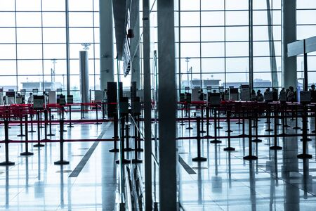 Airport spacious waiting hall and seats Foto de archivo