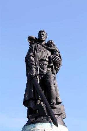 the liberator: Memoriale sovietico di Berlino