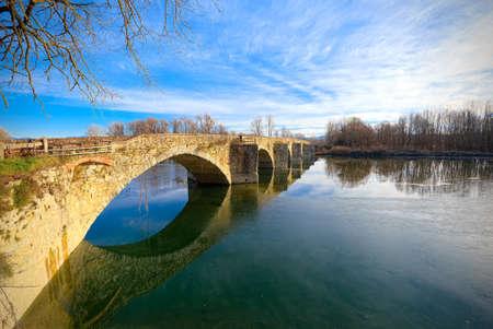 conjoin: Buriano Bridge, Tuscany, famous background of La Gioconda