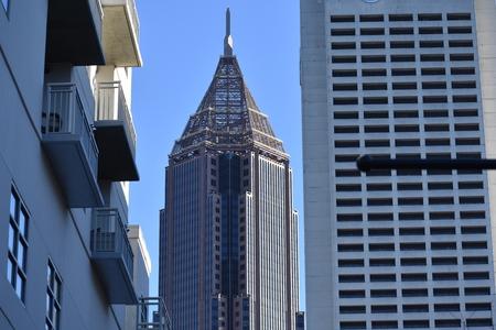 空線の建物 報道画像
