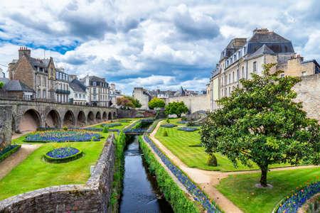 Vannes, une ville médiévale de Bretagne (Bretagne) en France. Banque d'images - 81938083