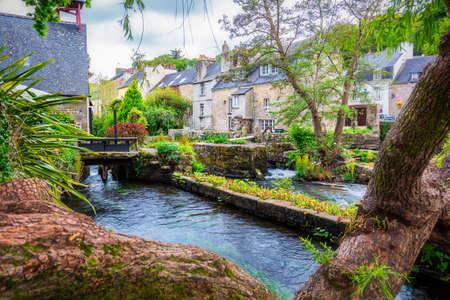 ポン ・ タヴェン、フランス北西部のブルターニュ (ブルターニュ) のフィニスターのコミューンで牧歌的な風景 写真素材