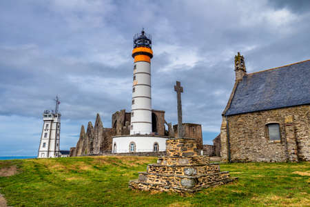 france station: Panorama of lighthouse and ruin of monastery, Pointe de Saint Mathieu, Brittany (Bretagne), France