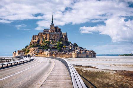 섬, 노르망디, 북부 프랑스, 유럽에 웅장 한 몽 세인트 미셸 대성당