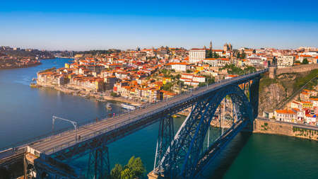 Porto, Portugal old town on the Douro River. Oporto panorama. 版權商用圖片