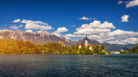 Lake Bled with St. Marys Church of Assumption on small island. Bled, Slovenia, Europe. The Church of the Assumption, Bled, Slovenia. The Lake Bled and Santa Maria Church near Bled, Slovenia. 免版税图像