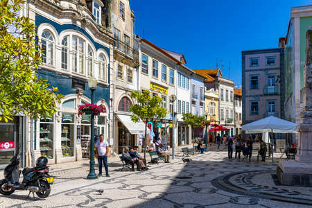 Aveiro, Portugal - June 16, 2018: City center of Aveiro, Portugal. Aveiro is popular with tourists to enjoy views of the charming canals. Aveiro, Portugal. Редакционное