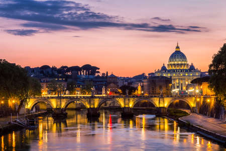 Vatican city. St Peter's Basilica. Panoramic view of Rome and St. Peter's Basilica, Italy Banque d'images - 138376753