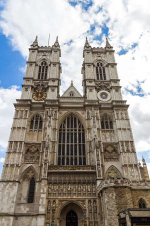 Westminster Abbey (The Collegiate Church of St Peter at Westminster) - Gothic church in City of Westminster, London. Westminster is traditional place of coronation and burial site for English monarchs Imagens