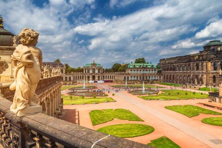 Famous Zwinger palace (Der Dresdner Zwinger) Art Gallery of Dresden, Saxony, Germany 에디토리얼