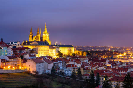 Prague Castle and Lesser Town panorama by night. View from Petrin Hill. Prague, Czech Republic. View of Prague Castle from Strahov monastery at night. Prague, Czech Republic Archivio Fotografico - 138404748