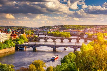 Spring view in Letna Park, Prague, Czech Republic. Spring in Prague (Praha), beautiful Letna park (Letenske sady) in sunlight, sunny landscape, popular tourist destination, Prague, Czech Republic Standard-Bild - 142068688