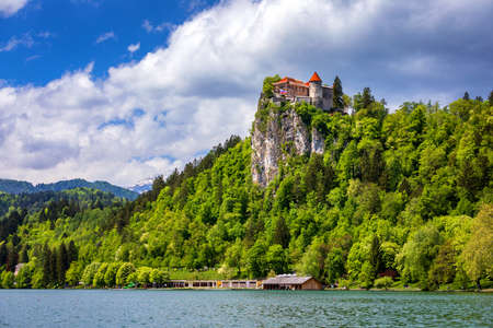 Bled Castle with Lake Bled, Slovenia. Banque d'images - 142093684