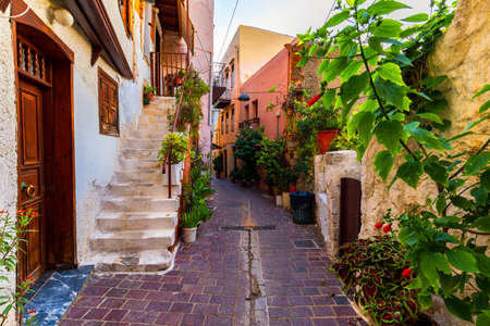 Charming streets of Greek islands, Crete. Street in the old town of Chania, Crete, Greece. Beautiful street in Chania, Crete island, Greece. Summer landscape. Travel and vacation. 版權商用圖片