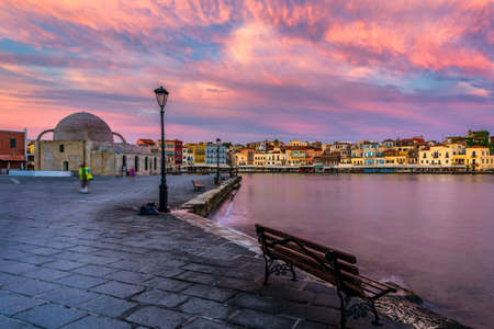 Picturesque old port of Chania. Landmarks of Crete island. Greece. Bay of Chania at sunny summer day, Crete Greece. View of the old port of Chania, Crete, Greece. The port of chania, or Hania. Zdjęcie Seryjne - 145657189