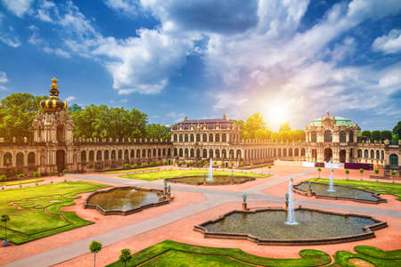 Famous Zwinger palace (Der Dresdner Zwinger) Art Gallery of Dresden, Saxony, Germany 新聞圖片