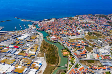 Aerial view of Peniche with the fortress, Peniche peninsula, Portugal. Peniche city buildings at Atlantic ocean coast, Portugal. Stockfoto