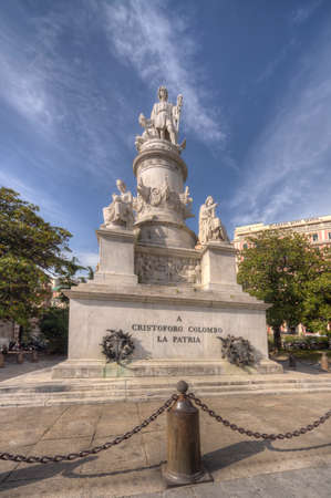 cristobal colon: Genoa, Italy - 05272016 - Statue monument to Christopher Columbus in Genoa Italy