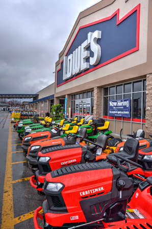 Springfield, Missouri - March 20, 2019:  Lowe's Home Improvement, an American chain of retail home improvement stores in the United States, Canada, and Mexico. Editorial Editorial