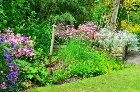 Tuin bloemenborders Engels land Stockfoto