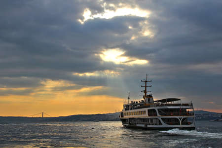 Sunrise on the Bosphorus in Istanbul, Turkey. 版權商用圖片