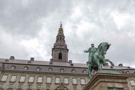 Frederik VII statue in front of the Christiansborg Palace in Copenhagen, Denmark. Archivio Fotografico - 123571793