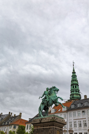 Portrait view of the Bishop Absalon Statue in Copenhagen, Denmark. Archivio Fotografico - 123571798