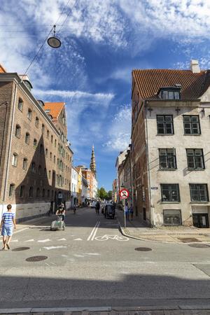 COPENHAGEN, DENMARK - AUGUST 26: Unidentified pedestrians in Copenhagen, Denmark on August 26, 2016. Archivio Fotografico - 123571801