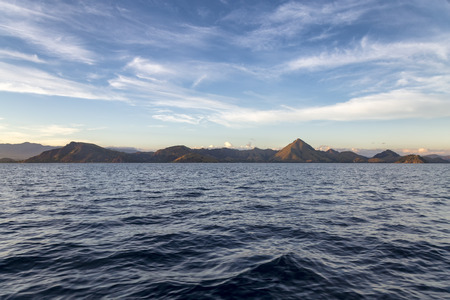 Wide angle view of Komodo Island in the Rinca National Park. 免版税图像
