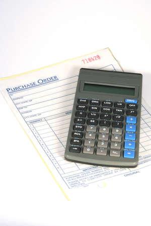 orden de compra: Forma de orden de compra con una calculadora