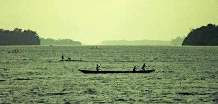 コンゴ川カヌー