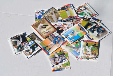 baseball dugout: tarjetas de b�isbol de la vendimia Editorial