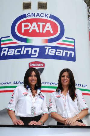 31 maart 2012: Paddock Girls op SBK Championship Imola Circuit. Italië.