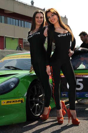 14 maart 2014: Paddock Girls op 12 H Dunlop Mugello, Italië.