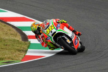MUGELLO - ITALIË, 13 JULI 2012: Italiaanse Ducati-ruiter Valentino Rossi tijdens 2012 TIM MotoGP GP van Italië.