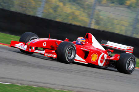 MUGELLO, IT, novembre 2007: parcours inconnu avec Modern Ferrari F1 lors des Finali Mondiali Ferrari 2007 sur le circuit mugello en italie Banque d'images - 93420671