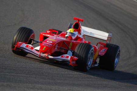 MUGELLO, IT, november 2007: onbekende run met Modern Ferrari F1 tijdens Finali Mondiali Ferrari 2007 naar het Mugello-circuit in Italië