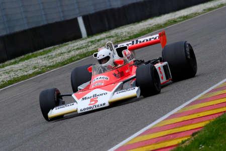 Mugello Circuit 1 April 2007: Unknown run on Classic F1 Car 1976 McLaren M23 ex James Hunt on Mugello Circuit in Italy during Mugello Historic Festival. 報道画像