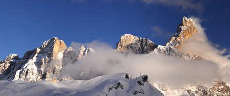 Beautiful view of Pale di San Martino in the Italian Dolomites. The famous Cimon della Pala as seen from Passo Rolle. Val di Fiemme, Italy. Standard-Bild