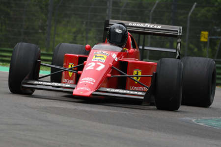 6 May 2018: Unknown run with historic 1989 Ferrari F1 Car Model 640 F189 ex Nigel Mansell  Gherard Berger during Minardi Historic Day 2018 in Imola Circuit in Italy. 報道画像