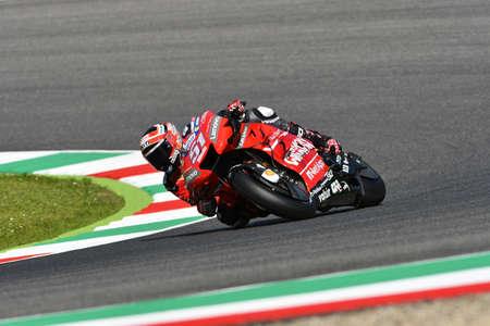 Mugello - Italy, 1 June: italian Ducati Team rider Michele Pirro in action at 2019 GP of Italy of MotoGP on June 2019 in Italy 新聞圖片