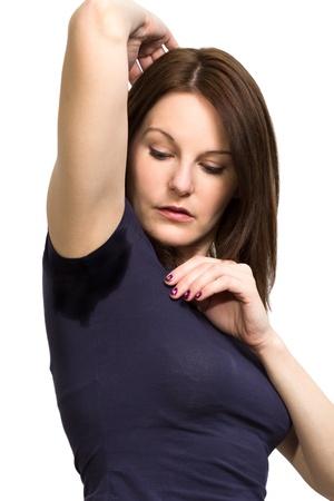 sudoroso: Mujer sudoraci�n muy mal debajo de la axila